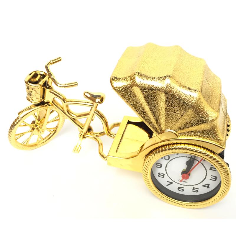Đồng hồ để hình xe kéo