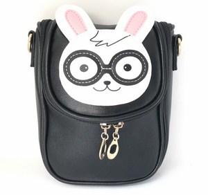 Túi xách hình thỏ đeo kính