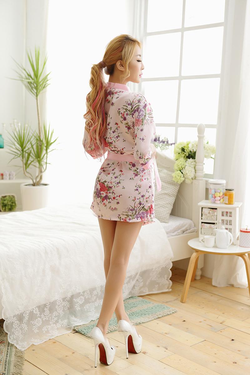 Áo choàng ngủ hình hoa kiểu Nhật