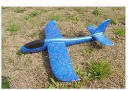 Máy bay phản lực bằng xốp