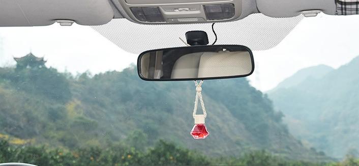 Nước hoa treo xe hơi