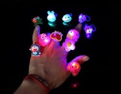 Nhẫn đeo phát sáng