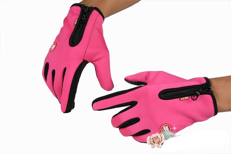 Găng tay cảm ứng