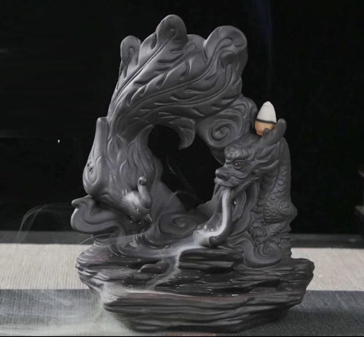 Thác khói trầm hương rồng phượng nhả khói