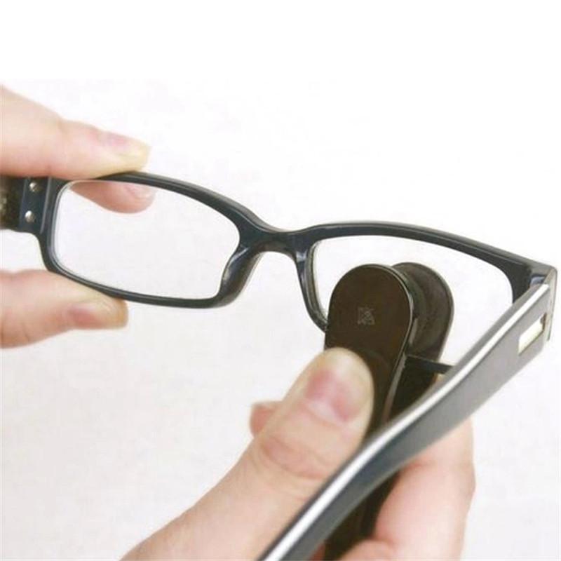 Dụng cụ vệ sinh mắt kính