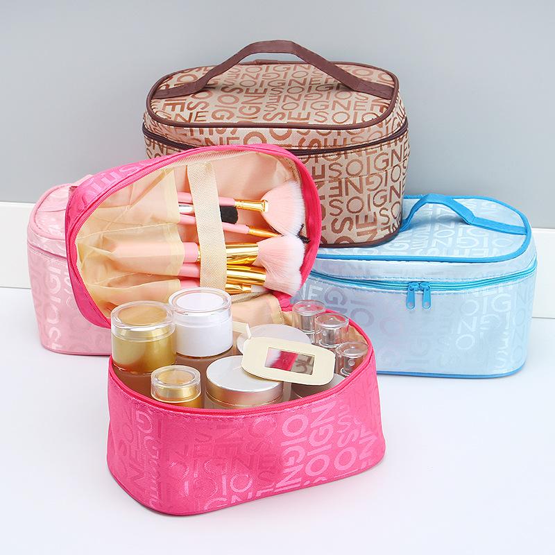 Túi đựng mỹ phẩm có quai xách