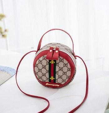 Túi đeo hình tròn 3 sọc gắn chú ong (5 màu)