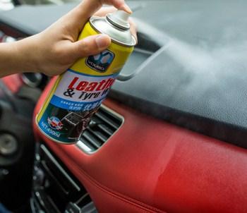 Chai xịt sáp xe hơi Leather & Tyre wax