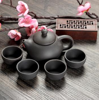 Bộ bình trà 4 tách Nhật Bản (màu đen - đỏ)