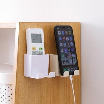 Dụng cụ dán tường đựng remote có 2 móc 6.5x6.5x6cm