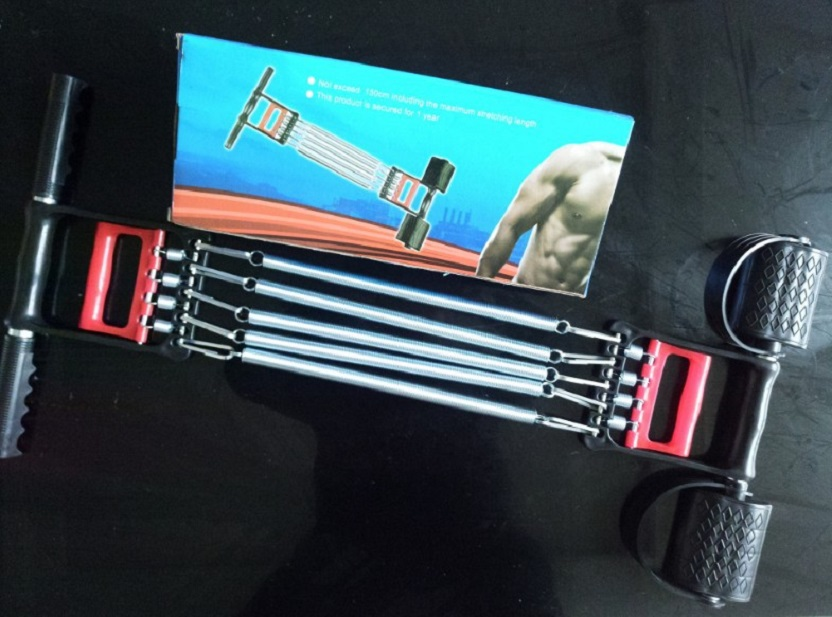 Dụng cụ tập thể dục 5 lo xo có tay cầm và bàn đạp chân