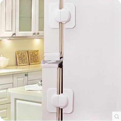 Dụng củ khoá tủ an toàn cho bé 6.5x5.5cm