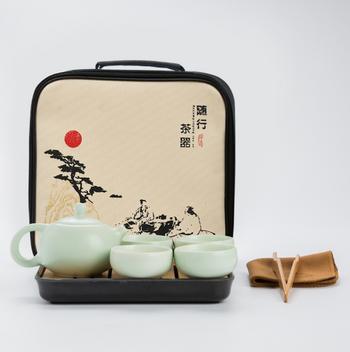 Bộ bình trà 4 tách kèm khay trà, kẹp trà, khăn trà và túi